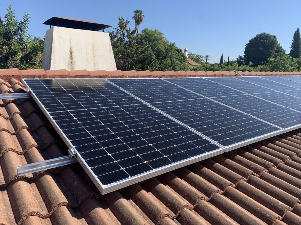 Placas solares fotovoltaicas para energía solar. Autoconsumo con compensación de excedentes en Córdoba.