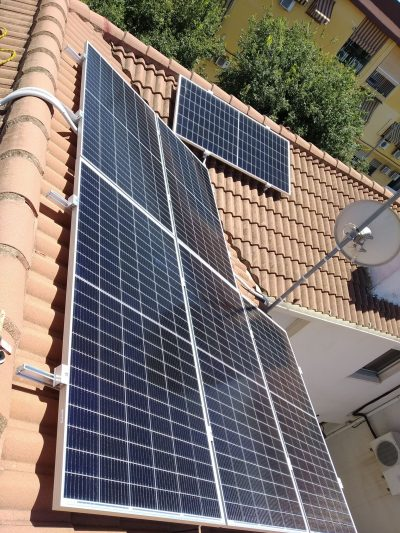 placas solares en un techo de malaga
